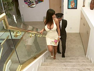 Lisa Ann giving head to acar upstairs maid