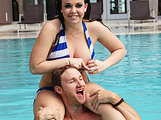 Brazzers spends a lethargic day with Emma heart as this stunner hangs out by the pool. This Babe hops in the jacuzzi and the sauna with Levi Specie previous to they engage in some coitus.