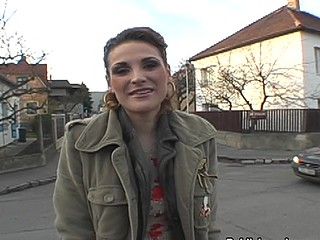 Lascivious doxy has her pussy invaded outside in public
