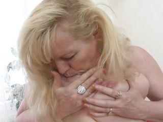 saggy breast older fingers her cunt