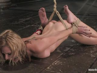 tied blonde luring a vacant shower on be imparted to murder stupefy