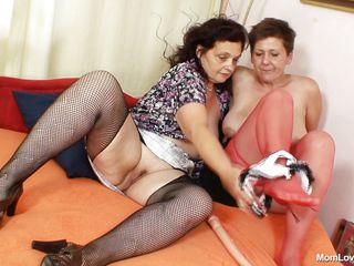 age-old mothers masturbate together