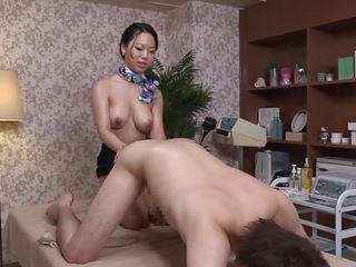 elder japanese milf does her best