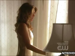 Dark brown Cougar Madchen Amick Wearing a Bonerific Beige Negligee