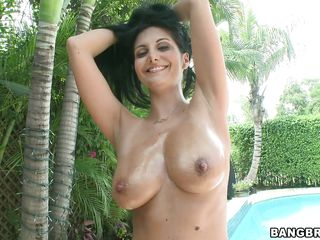 lascivious brunette with outstanding boobs wants to engulf