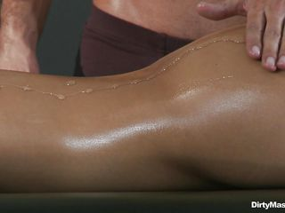 asa akira gets her irritant massaged