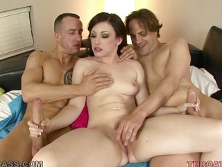 threesome with lustful brunette jennifer white