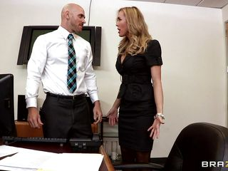 hot boss gets enjoyment with her employees