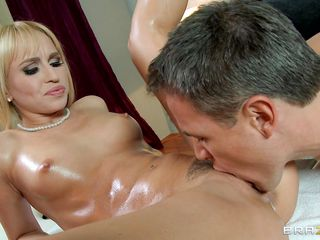 horny beauteous gets her pussy subdued at massage
