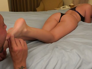 Bailey Bae Has Feet Adored and Gives a Footjob