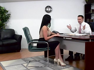 Buxom brunette seduces say no to lawyer coupled with gets owned away from him on the table