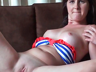 Olivia O'love giving head together with getting nicely penetrated in her shaved cunt