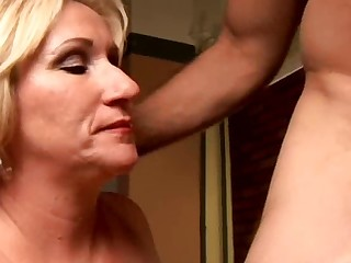 Perverted old playgirl Molly gives a gungy rimjob