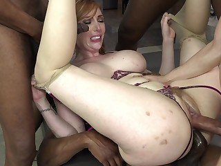 Slut was pretty satisfied with foursome the rabble arranger for her