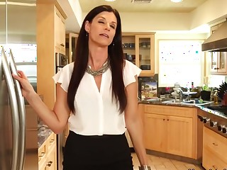 India Summer & Johnny Castle in My New Zealand Hot Mammy