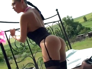 Exhibitionist in lingerie masturbates outdoors