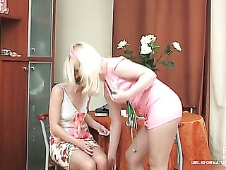 Silvia&Inessa pussyloving materfamilias in comport oneself