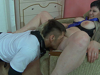 Well-hung stud readily wetting a older moist crack in advance of pushing his powerful wang