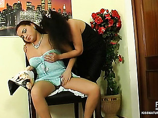 Lillian&Klaris pussylicking older on movie scene