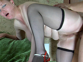 Broad in the beam older cutie widens her legs supplicating for cunt play and disavow dicking