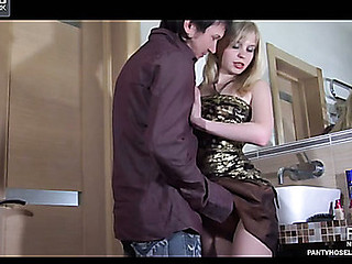 Paulina&Rolf videotaped whilst pantyhosing