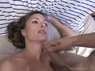 Heart-Stopping Brunette MILF Gets Screwed and Receives a Smutty Facial