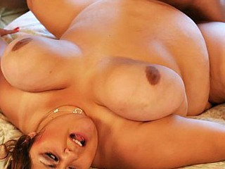 obese nice-looking woman Reyna Cruz gets the brush large vagina fucked.