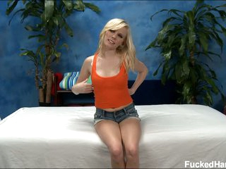Sweet tow-haired Elaina looking for massage