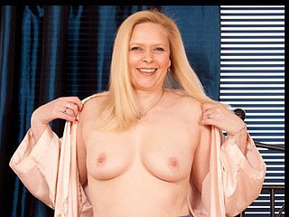 Dead white skinned Anilos Tamara teases will not hear of love button with a vibrator