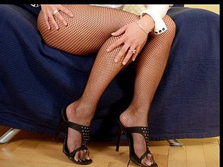 Uninhibited mommy i'd like to fuck nicoletta peels off her sexy black fishnets and gives her feet some oral attention