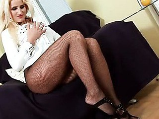Uninhibited mother i'd like to fuck nicoletta peels off her hot dark fishnets and gives her toes some irrumation attention
