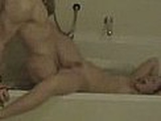 Couple fuck in eradicate affect bath tub