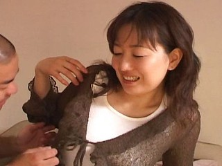 Sexy Japanese babe's smooth armpit receives a sloppy tongue bath