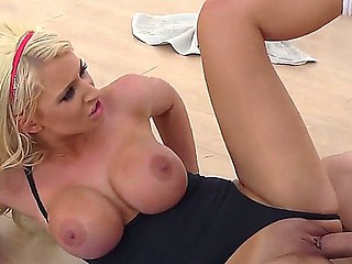 Golden-haired busty Brooklyn Blue enjoys deepthroating Danny Ds biggest and hard dick