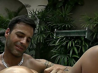 Look at amazing curvy sexy babe Barbarah and Roge Ferro making her oiled and groan of orgazm