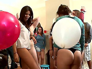 Bethany Benz,Jada Stevens and Lexi Belle in wild session of hardcore gang banging