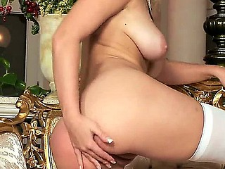 Blonde milf Marry Queen has royal