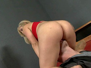 Dayna Joust is a bosomy sexy beamy titted gymnast with