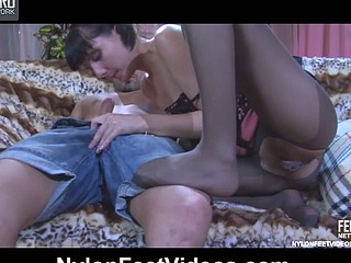 Madeleine&Frederic hawt nylon trotters act