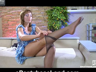 AmeliaC in wicked hose clip