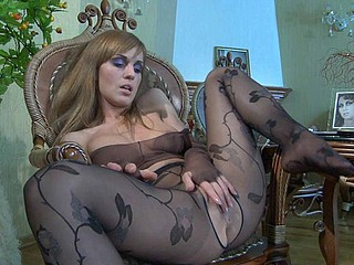 Perverted honey wetting the brush crotchless fashion pantihose plus watch-thru water-pipe top