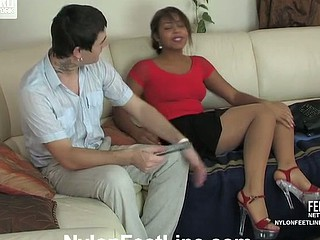 Joanna&Vitas nylon footsex action