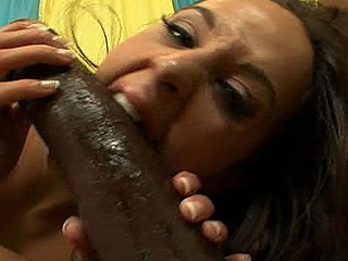 Hawt Gardener whore receives drilled at the end of one's tether a dong the size of a hose!