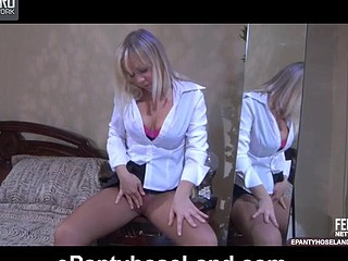Sandy in great hose clip