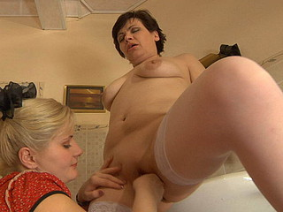Elsa&Rebecca old lady in lesbo work