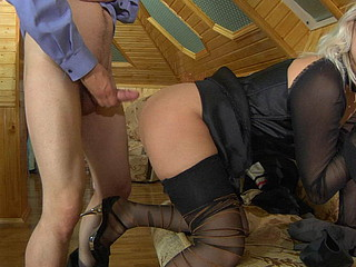 Susanna&Robin uniform hose video