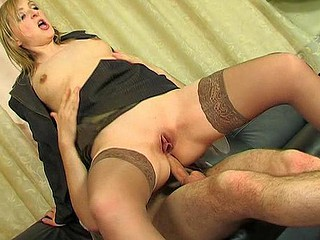 Lusty romance skirt getting say no to buns widen with boner anent hawt anal session