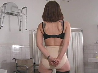 Slavemaster tortures sloppy love tunnel