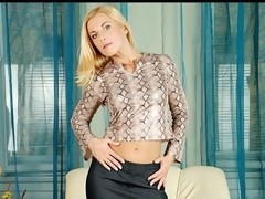 Tight bodied anilos janet copulates herself with a huge sized sex-toy